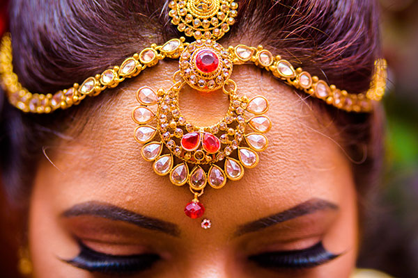Indien-Schmuckkunst: Traditioneller indischer Kopfschmuck